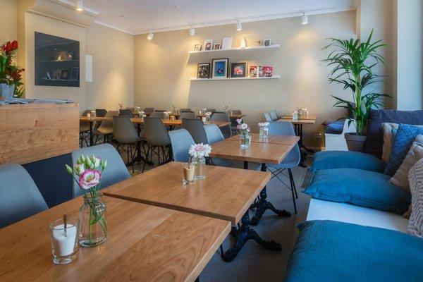 Kleine Café-Bar mitten in Schwabing